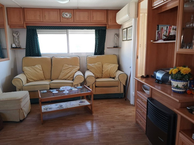 2 bed, 1 bath mobile home for sale in Las Adelfas